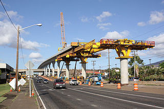 375px-Honolulu_rail_project_construction_in_Waipahu_near_Fort_Weaver_Road_2015-07-29.jpg